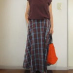 GU590円のチェックフレアロングスカートの穿き心地