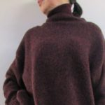 セーターonセーターのレイヤードコーデ